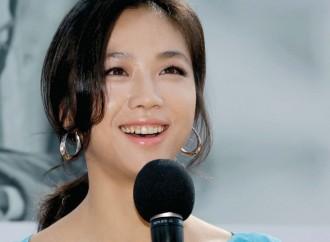 Interview 제17회 부산국제영화제 개막식 사회자 – 배우 탕웨이 Tang Wei